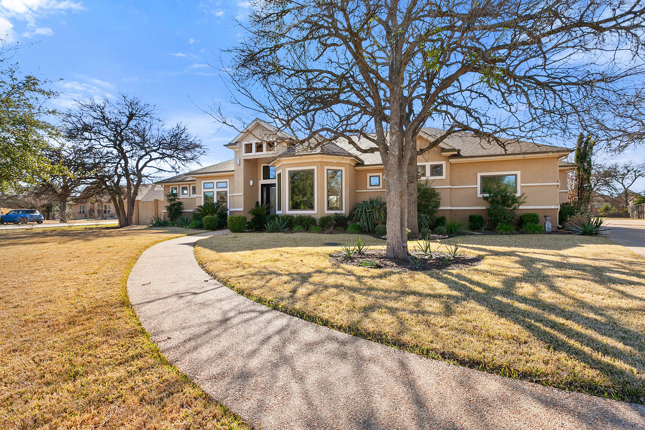 Georgetown TX acreage home 133 Gabriels Loop