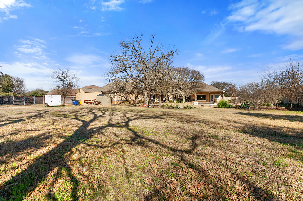 Georgetown TX acreage home Gabriels Overlook