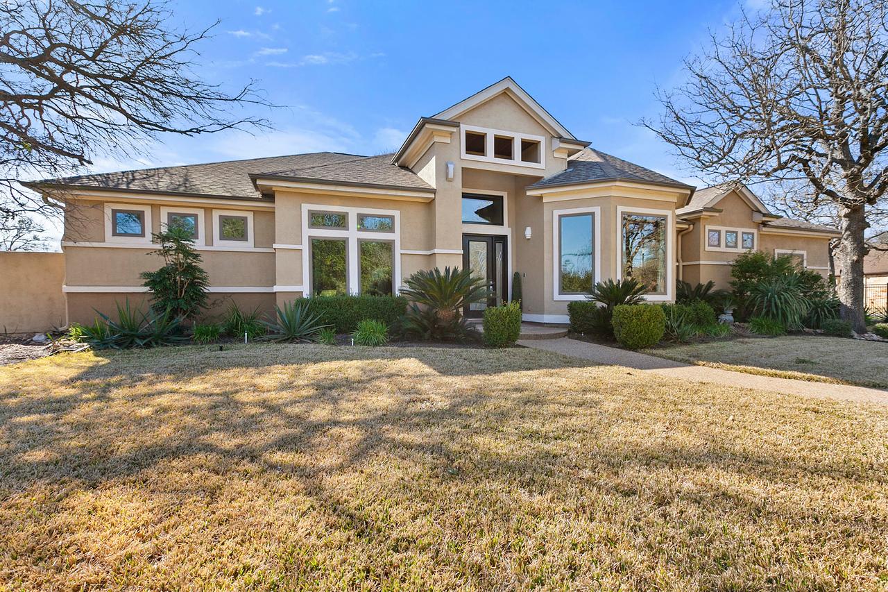 133 Gabriels Loop Acreage Home