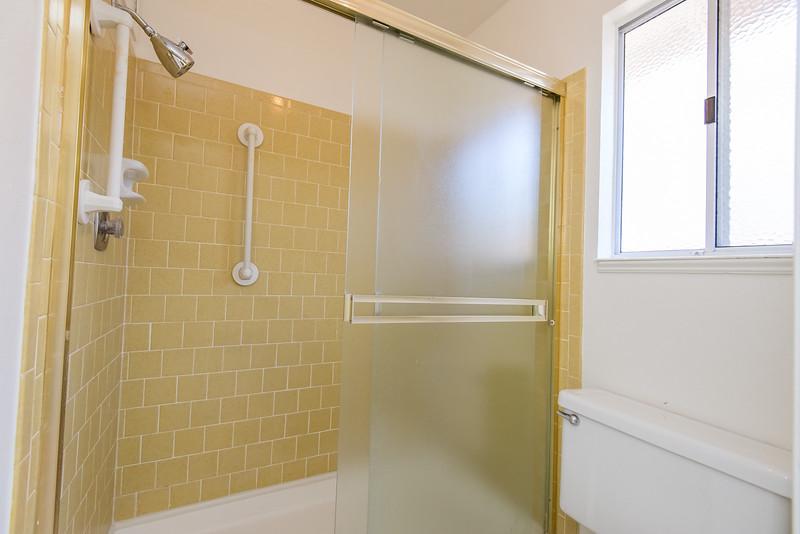 DSC_8351_shower