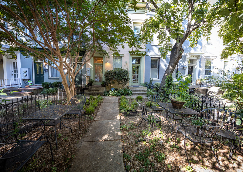 Shared front yard with seating, facing T St NW.