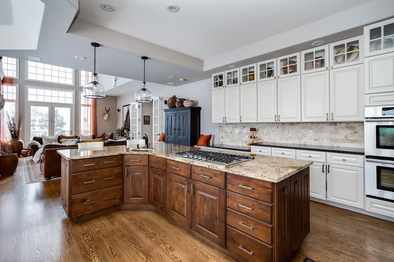 Family-Kitchen-14