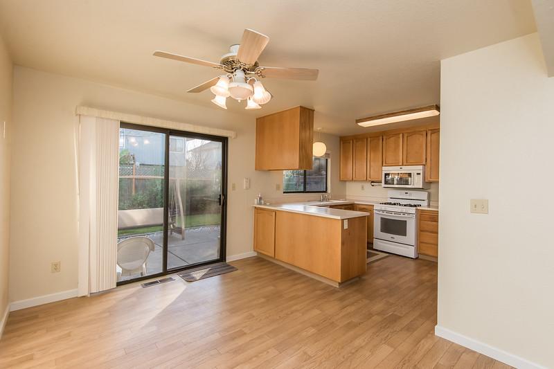DSC_2858_kitchen