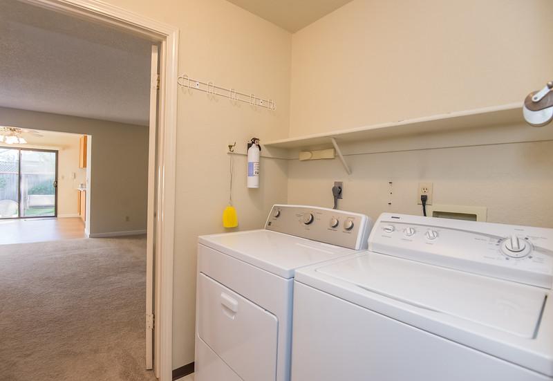 DSC_2884_laundry