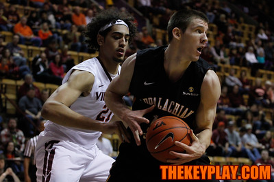 Satchel Pierce defends App State's Tommy Spagnolo. (Mark Umansky/TheKeyPlay.com)