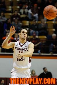 Devin Wilson fires off a pass. (Mark Umansky/TheKeyPlay.com)