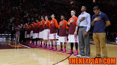The Hokies stand together for the national anthem. (Mark Umansky/TheKeyPlay.com)