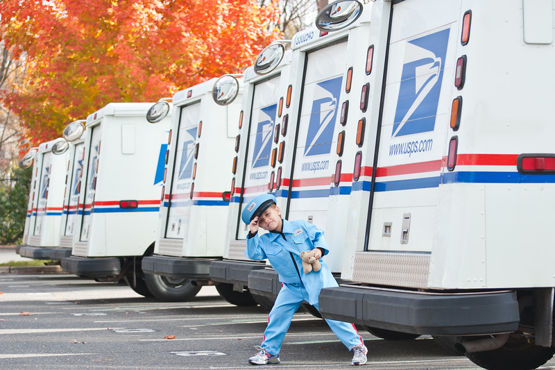 13mailperson (11 of 21)