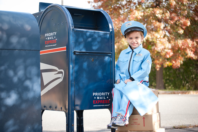 13mailperson (2 of 21)
