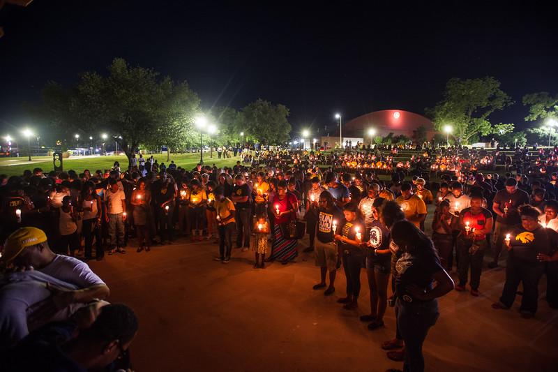 14294-event-Basketball Candlelight Vigil-4475