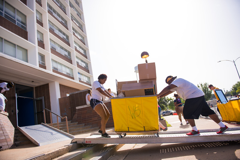 14306-event-move in day-9979