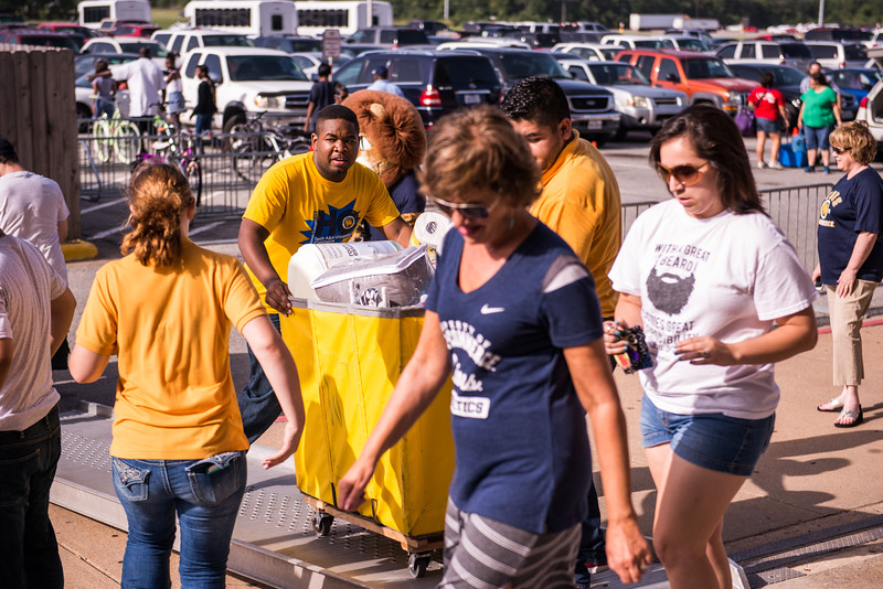 14306-event-move in day-9902