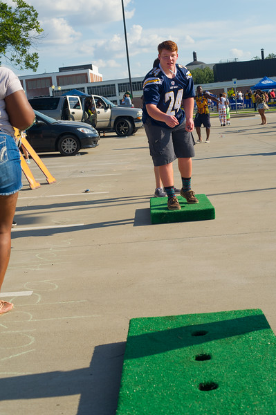 14437-event-Football vs ETBU tailgate-8975