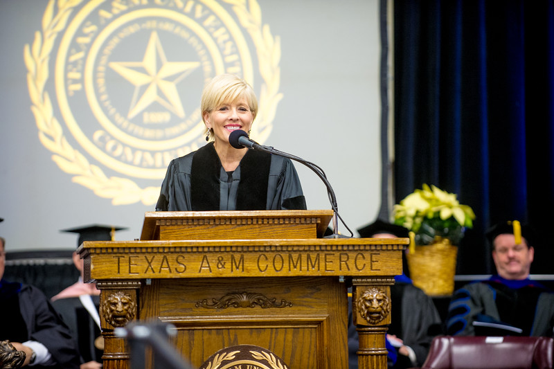 14578-event-Graduation Fall 2014-9220