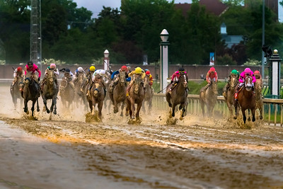 Maximum Security leads the pack toward the finish line at the Kentucky Derby