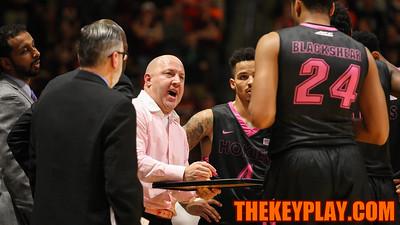 Head coach Buzz Williams draws up a play during a media timeout. (Mark Umansky/TheKeyPlay.com)