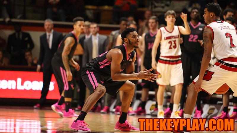 Jalen Hudston sets up defensively on a Louisville posession. (Mark Umansky/TheKeyPlay.com)