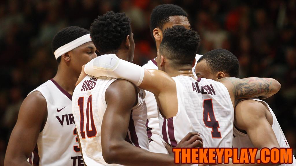 The Hokies huddle up after a foul call puts them at the free throw line. (Mark Umansky/TheKeyPlay.com)