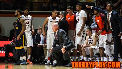 Buzz Williams shouts instructions to his team on defense. (Mark Umansky/TheKeyPlay.com)