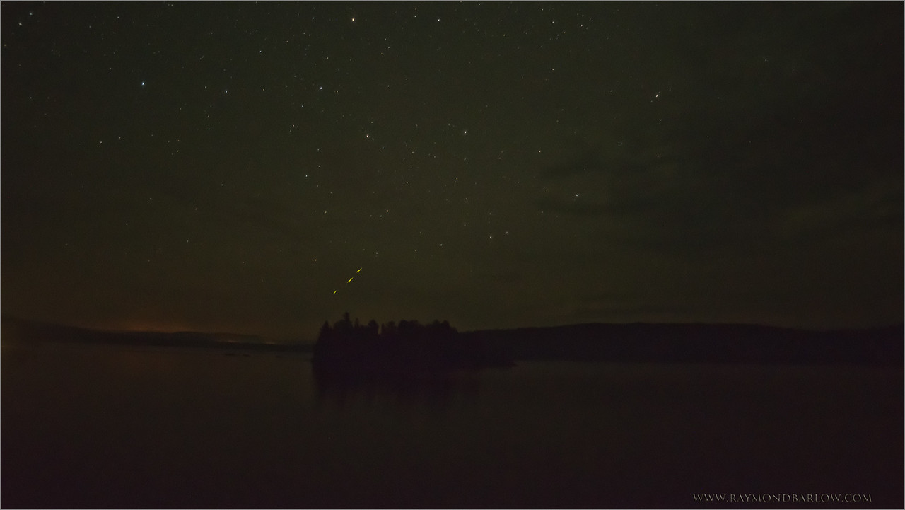 Algonquin Stars<br /> Raymond's Ontario Nature Photography Tours<br /> <br /> ray@raymondbarlow.com<br /> Nikon D810 ,Tokina 19-35mm f/3.5-4.5 AF<br /> 20s f/3.8 at 21.0mm iso3200