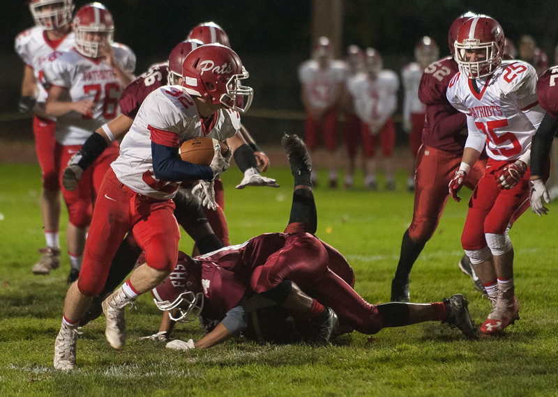 North MIddlesex RB Jake Hachey leaves Fitchburg HS defenders behind during a run at Crocker Field. SENTINEL&ENTERPRISE/ Jim Marabello