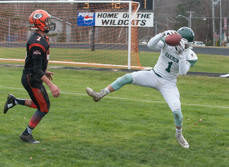 Oakmont's John Cauette hauls in a pass in the end zone for their first touchdown. Oakmont prevailed 26-20 in their Thanksgiving Classic against Gardner. SENTINEL & ENTERPRISE / Jim Marabello