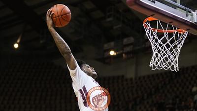 Ahmed Hill flies towards the basket for an uncontested dunk. (Mark Umansky/TheKeyPlay.com)
