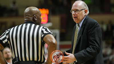 Miami head coach Jim Larrañaga speaks with a referee during a timeout. (Mark Umansky/TheKeyPlay.com)