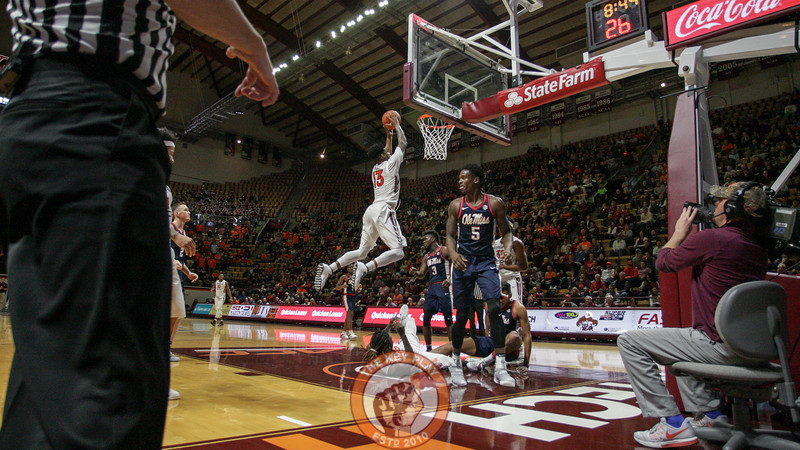 Ahmed Hill flies towards the hoop in the second half. (Mark Umansky/TheKeyPlay.com)