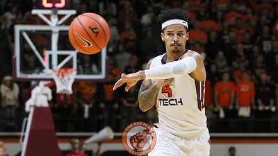 Seth Allen fires off a pass to the corner in the second half. (Mark Umansky/TheKeyPlay.com)