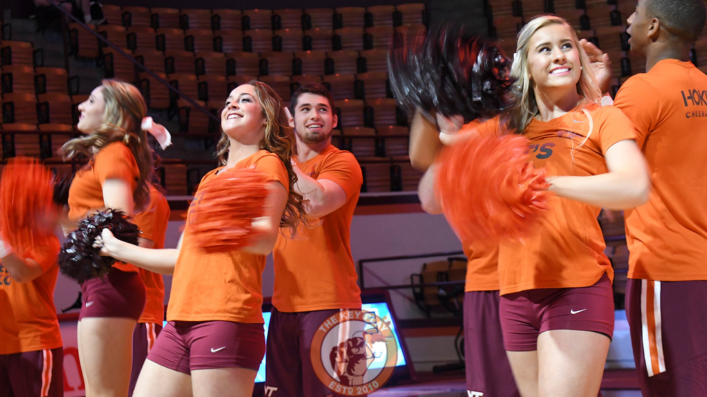 Virginia Tech Cheerleaders line the paint area and cheer on the team. (Michael Shroyer/TheKeyPlay.com)