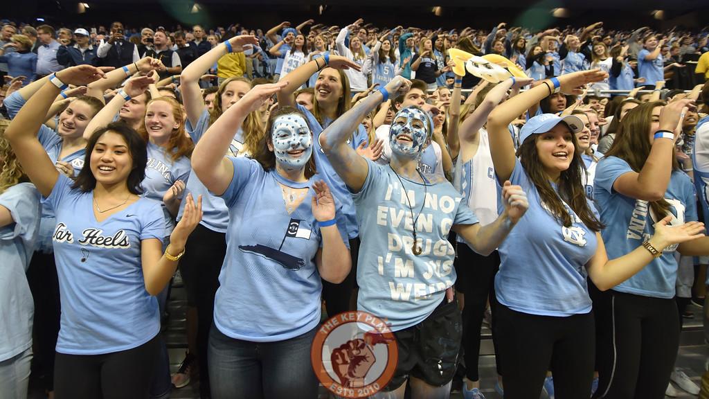 North Carolina Tar Heels fans cheer prior to the game against the Virginia Tech Hokies. (Michael Shroyer/ TheKeyPlay.com)