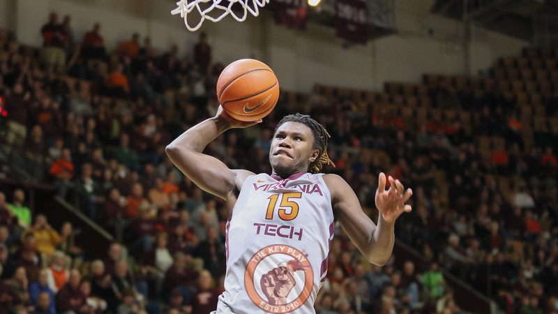 Chris Clarke goes up for an uncontested slam dunk. (Mark Umansky/TheKeyPlay.com)