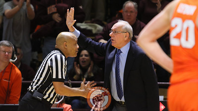 Syracuse head coach Jim Boeheim protests a call against his team in the second half. (Mark Umansky/TheKeyPlay.com)
