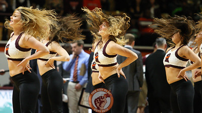 The Virginia Tech High Techs perform for the crowd during a media timeout in the first half. (Mark Umansky/TheKeyPlay.com)