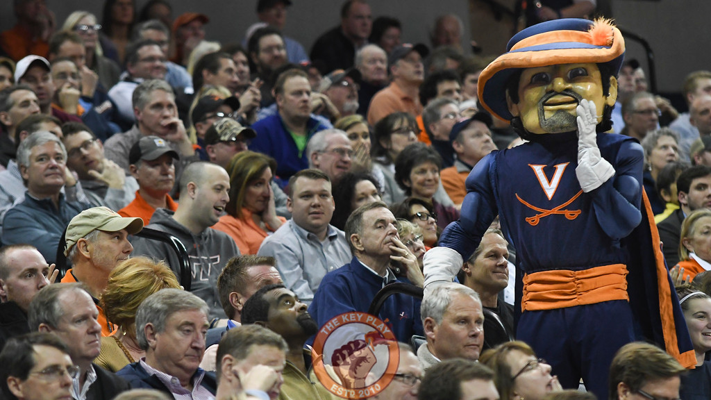 Virginia Cavaliers mascot, Cavman, schmoozes with the home crowd. (Michael Shroyer/ TheKeyPlay.com)