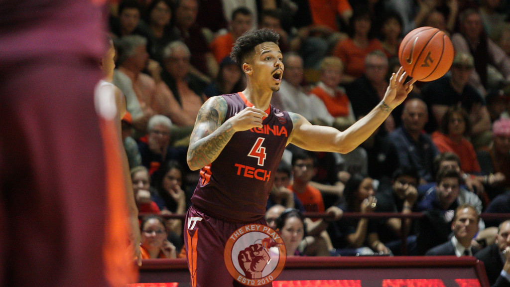 Seth Allen throws a pass during the first overtime of the game. (Mark Umansky/TheKeyPlay.com)