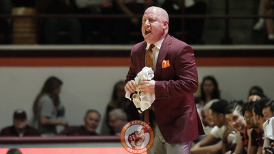 Buzz Williams shouts instructions to his team in the first half. (Mark Umansky/TheKeyPlay.com)