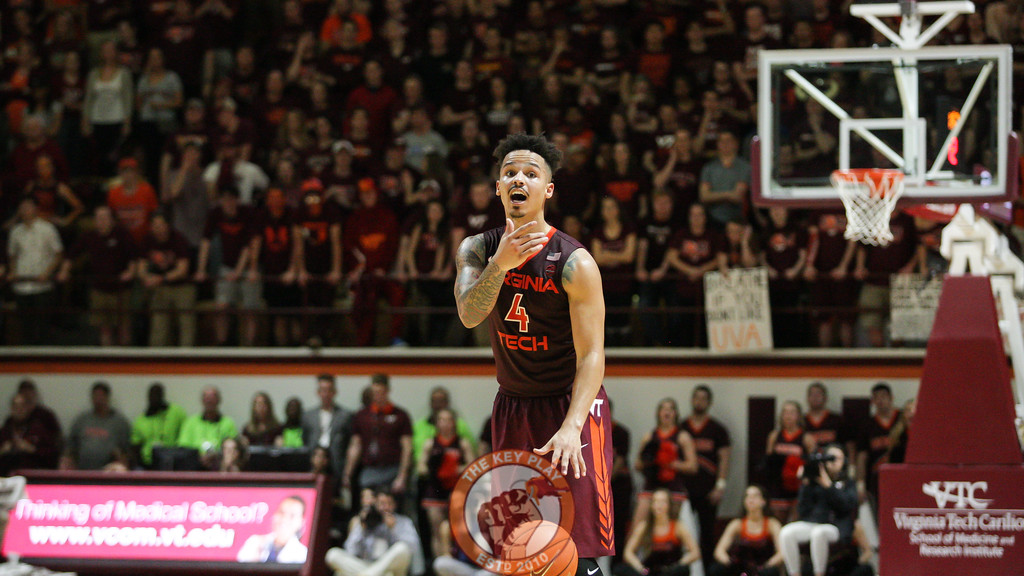 Seth Allen shouts instructions to his teammates as he looks to start an offensive set. (Mark Umansky/TheKeyPlay.com)