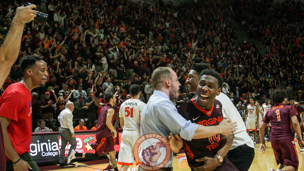 Justin Bibbs celebrates after the final buzzer. (Mark Umansky/TheKeyPlay.com)
