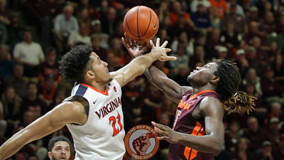 Chris Clarke is fouled as he attempts a layup in the second half. (Mark Umansky/TheKeyPlay.com)