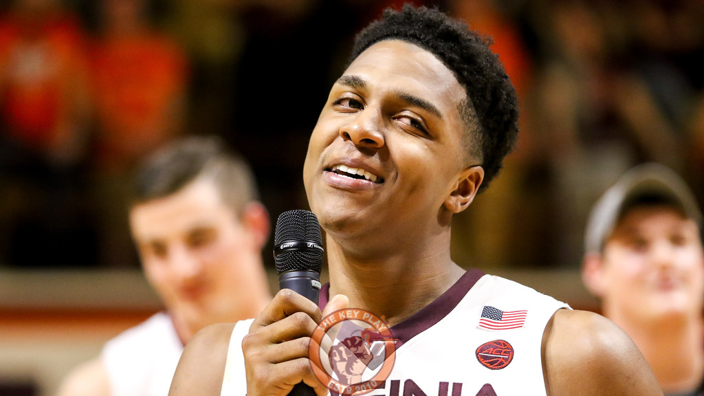 Zach LeDay smiles as he thanks the crowd at the end of the Senior Day festivities. (Mark Umansky/TheKeyPlay.com)