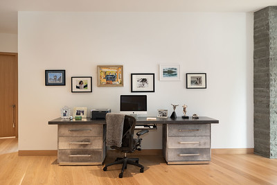 1640 Desk 1