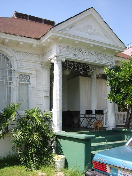 Olguins' home in Los Angeles<br /> Olguin's Home in Los Angeles