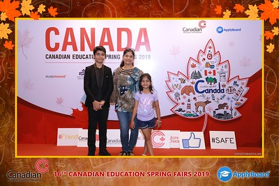 Canadian-Education-Sprint-Fairs-2019-HCMC-instant-print-photobooth-chup-hinh-in-anh-lay-ngay-su-kien-Tiec-cuoi-WefieBox-photobooth-Vietnam-021