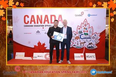 Canadian-Education-Sprint-Fairs-2019-HCMC-instant-print-photobooth-chup-hinh-in-anh-lay-ngay-su-kien-Tiec-cuoi-WefieBox-photobooth-Vietnam-001