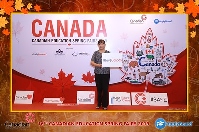 Canadian-Education-Sprint-Fairs-2019-HCMC-instant-print-photobooth-chup-hinh-in-anh-lay-ngay-su-kien-Tiec-cuoi-WefieBox-photobooth-Vietnam-015