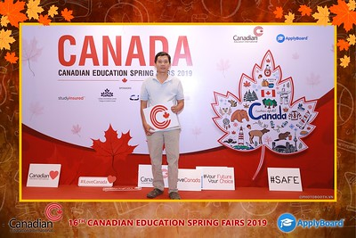 Canadian-Education-Sprint-Fairs-2019-HCMC-instant-print-photobooth-chup-hinh-in-anh-lay-ngay-su-kien-Tiec-cuoi-WefieBox-photobooth-Vietnam-014