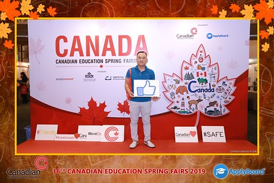 Canadian-Education-Sprint-Fairs-2019-HCMC-instant-print-photobooth-chup-hinh-in-anh-lay-ngay-su-kien-Tiec-cuoi-WefieBox-photobooth-Vietnam-002