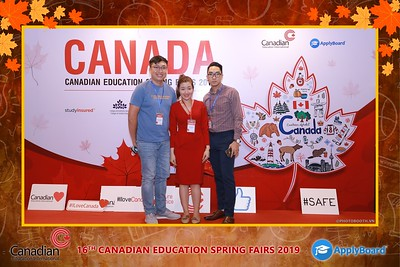 Canadian-Education-Sprint-Fairs-2019-HCMC-instant-print-photobooth-chup-hinh-in-anh-lay-ngay-su-kien-Tiec-cuoi-WefieBox-photobooth-Vietnam-006
